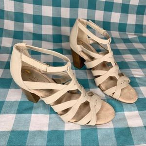 Aerosoles Strappy Sandal Tan Stacked Block Heels